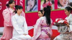 """上海女孩穿汉服行""""及笄礼""""感受传统"""