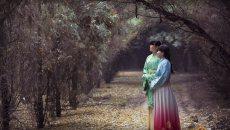 看初冬时节杜陵银杏叶铺满地 汉服美女原上展风姿