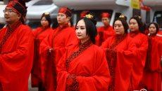西安八对新人情人节体验汉式婚礼