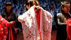 南通少年宫举行汉服成人礼 少年接受师长祝福,开启新旅程