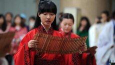 """西安众汉服美女""""上巳节""""体验传统成人礼"""