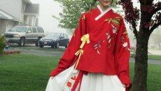 徐娇穿汉服学校演讲 倡议保护传统文化