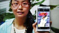 西安90后女孩穿汉服逛街 曾创作百余首诗词