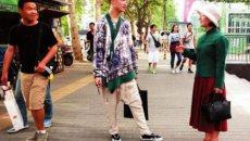 西安大学生自制改良版汉服 穿出最炫民族风