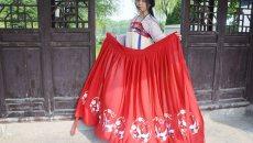 安庆80后90后汉服爱好者:缝制汉服自制配饰 日常生活也穿汉服
