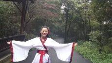 龟峰首届汉服文化节暨弋阳美食大赛盛大开启