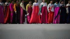 韩国中秋节民众穿韩服迎接 中国应该穿汉服?