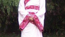 日媒:汉民族传统服装再在年轻人之间流行