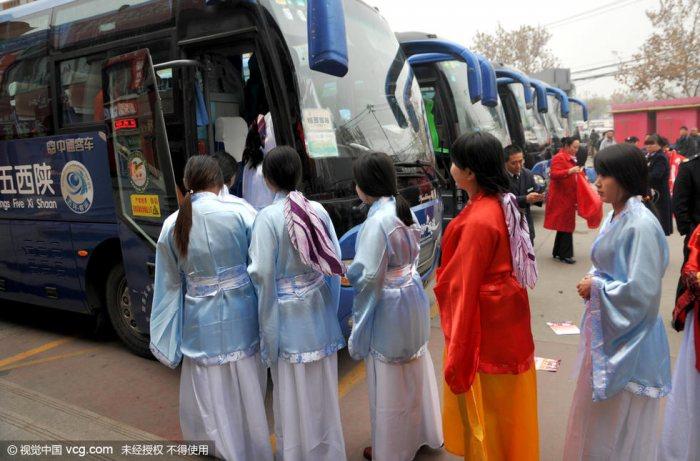 女子穿汉服体验传统文化旅游线路-图片2