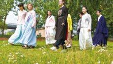 汉服展示民族文化魅力