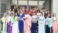 温州大学开展传统服饰讲座 留学生穿汉服学习中华礼仪