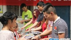 铁马汉服与汉文化公益讲座在遂宁和赤小学首站开讲