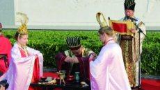 外国情侣江苏东台上演传统婚礼