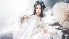【汉服美图】在一朵雪花绽放的记忆里,寻一处情深不寿的爱恋