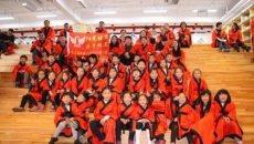 厉害了!小学生体验传统国学 身着汉服学古礼