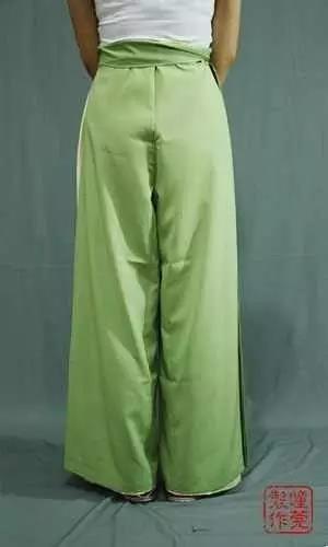 宋裤穿好的效果图  二、一片式抹胸的穿法