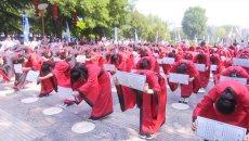百名学子身着汉服 参加中华传统成人礼