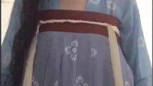 齐胸襦裙怎么穿才不掉?