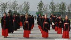 留学生在中国的暑假:他们穿上汉服去了这里