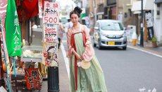 她在日本穿汉服上下班