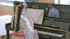 日常生活穿汉服 衢州学院两位妹子在践行着一个远大的梦想