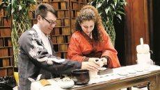 穿汉服听古琴 30多位留学生徐州感受中国文化