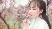 【汉服美图】正是江南好風景,花開時節又逢君