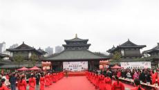 首届洛阳华夏汉服旅游节在洛开幕,琴瑟和雅,再现大汉霓裳华美