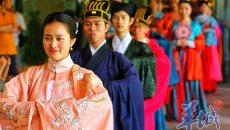 才子佳人着汉服款款而来…南越王博物馆是在拍古装大片吗?