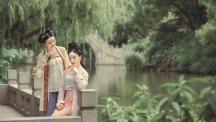 【汉服美图】柳下笙歌滿庭院,花間姊妹自有緣。