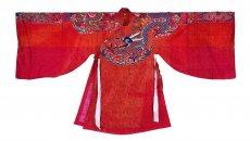 通过对中国古代服饰的研究,闫财旺迷上了汉服