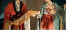 【金玉良缘】唐 喜鹊桥成催凤驾 ,分钿擘钗凉叶下。