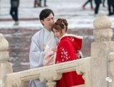 同袍身着汉服游览雪中故宫,这些服装跟故宫很搭调