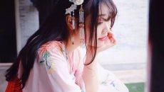 【汉服美图】染一抹桃色腮红,着一袭碎花长裙
