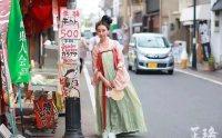 她在日本穿汉服上下班 当地人说她像仙女