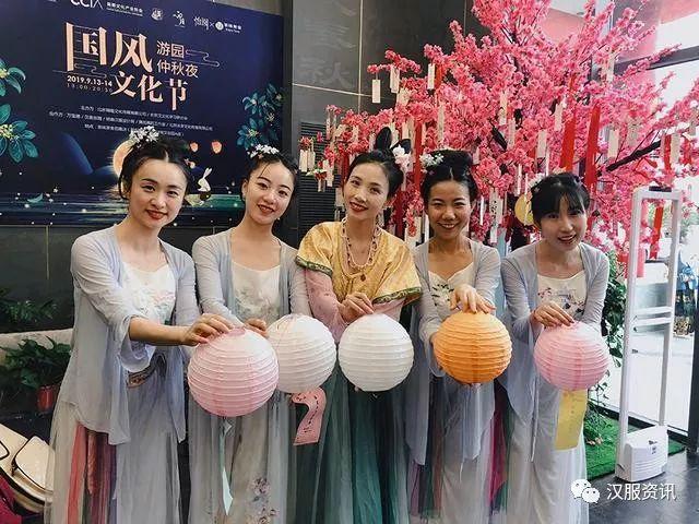 """中国汉服汉文化网:""""汉服""""为何会流行?日本人在汉服活动的发现"""
