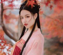 【汉服私影】霜叶红于二月花