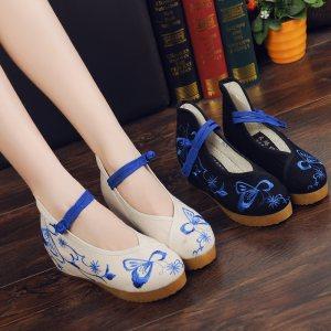 老北京布鞋单鞋春秋坡跟绣花鞋女鞋民族风复古装鞋子青花瓷内增高