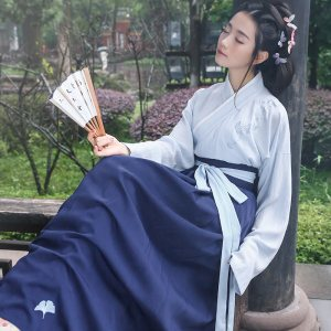 重回汉唐汉服女款原创绝尘绣花交领齐腰襦裙非古装中国风日常夏装