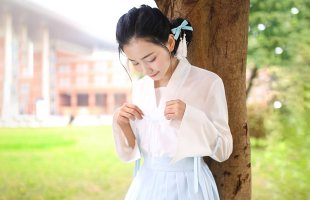 华小夏 青葱 重回汉唐汉元素女绣花对襟上襦短褶裙改良汉服女春夏