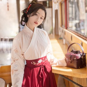 重回汉唐汉服女 襦裙行香子传统日常交领齐腰襦裙民族风绣花春秋