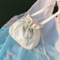 她说汉家衣裳绣花手提斜挎两用小荷包抽绳汉服荷包