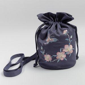 重回汉唐汉服周边水桶包香引日常中国风时尚休闲单肩包绣花手提包