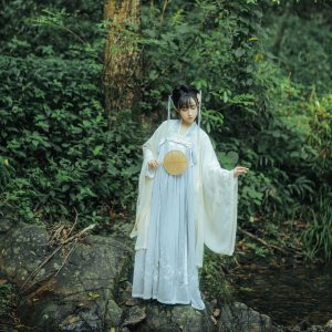 【十三余 小豆蔻儿】[九尾] 对襟齐胸上衫大袖衫两片式下裙汉服女