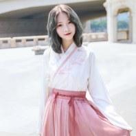 鹿韵记汉元素怀袖刺绣交领套装改良汉服女装粉色少女日常
