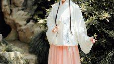 十三余交领短袄一片式褶裙