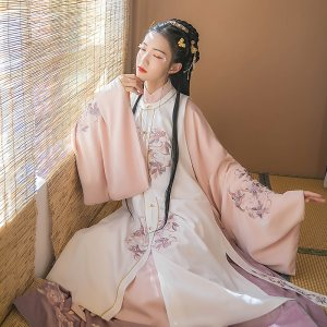 汉尚华莲传统汉服女装花锦醉刺绣长袄保暖比甲搭配褶裙冬装三件套
