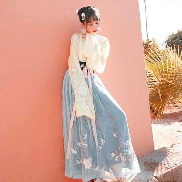 【十三余 小豆蔻儿】[扑蝶会]对襟齐腰吊带刺绣汉服传统女装绣花