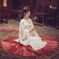 曼珠沙华:洛离池夏原创改良汉服彼岸花提花长袄6米摆织金马面裙
