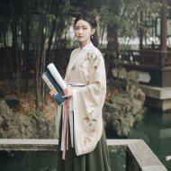 池夏 仑灵:艾儿 原创设计改良交领大袖褶裙套装茱萸花刺绣